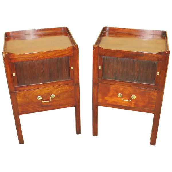 Georgian Mahogany 18th Century Pair of Bedside Night Tables